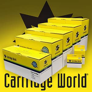 Embalagens Cartridge World com o logotipo da Cartridge World ao fundo